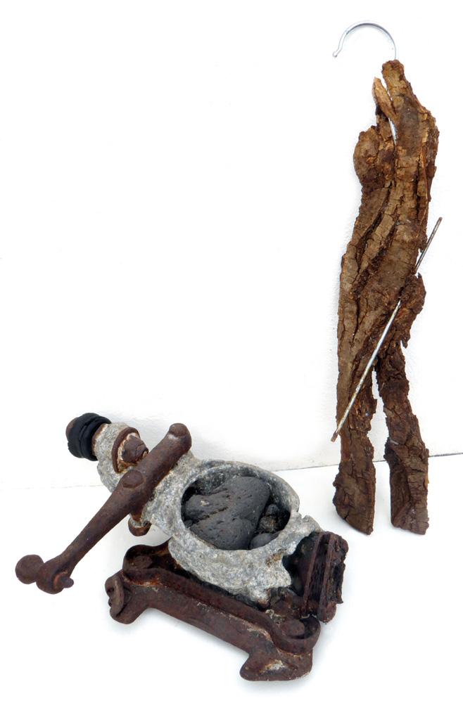 Archaischer Jäger mit Schildkrötengefährt